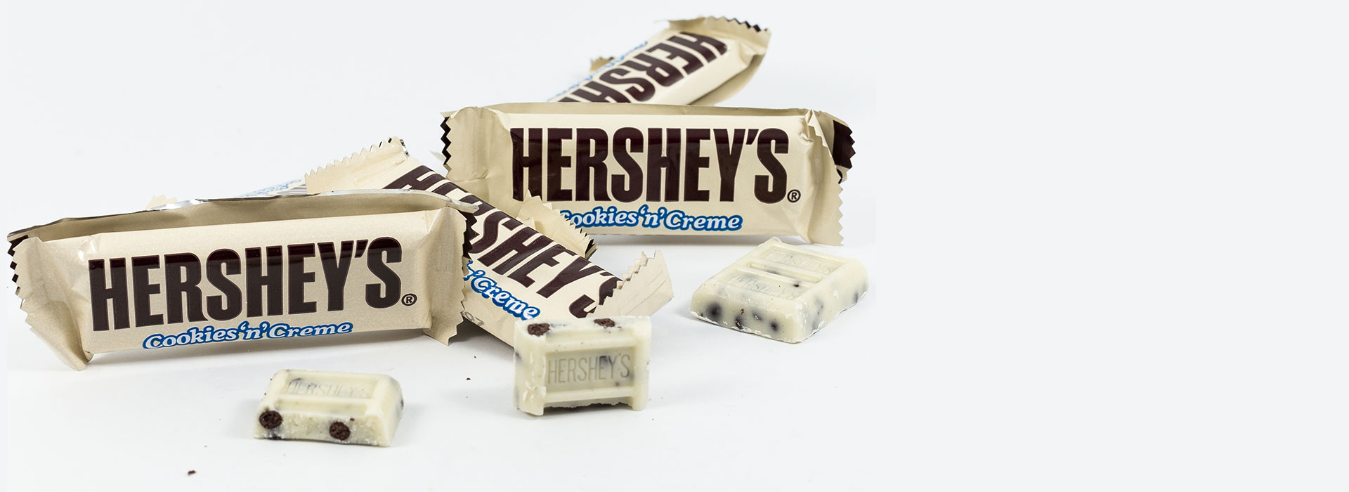 Hershey's Cookies & Cream Bar For Sale